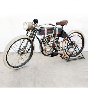 Réplique Harley Davidson monocylindre 410cc boardtrack de 1903