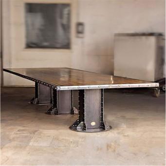 Table construction en acier brut poutre métallique riveté
