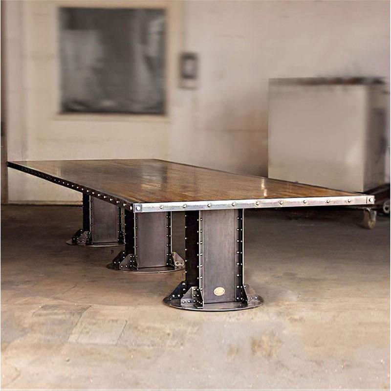 Table loft 3 pieds construction en acier brut poutre for Table 3 pieds